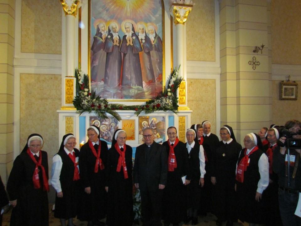 VeYernja u crkvi kraljice svete krunice (12)