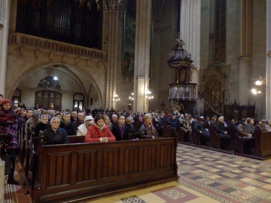 Spomendan-s-jule-i-susestara-zg-katedrala (4)