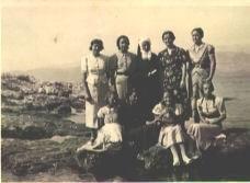 Postire - djevojke s teYaja i s. veYeslava (1937.)