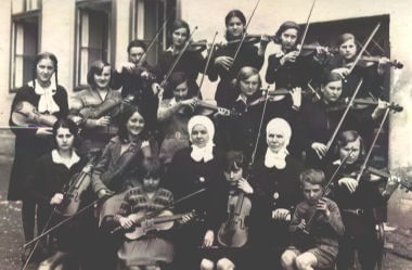 Sarajevo - zavod sv. josipa, violinistice (1930.)