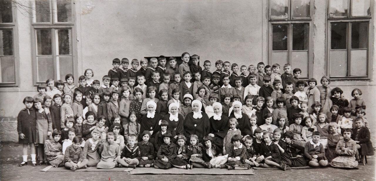 Sarajevo - zavod sv. josipa prigodom 50. obljetnice Ykole (1933.)