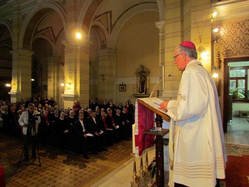 VeYernja u crkvi kraljice svete krunice (4)