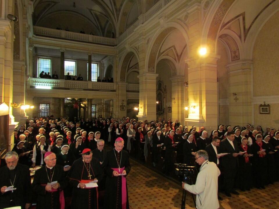 VeYernja u crkvi kraljice svete krunice (8)