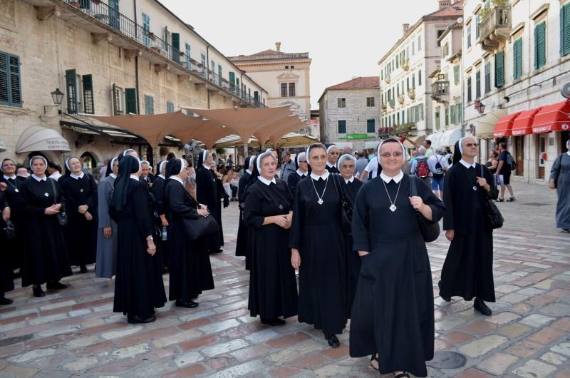 Proslava u albaniji (28)