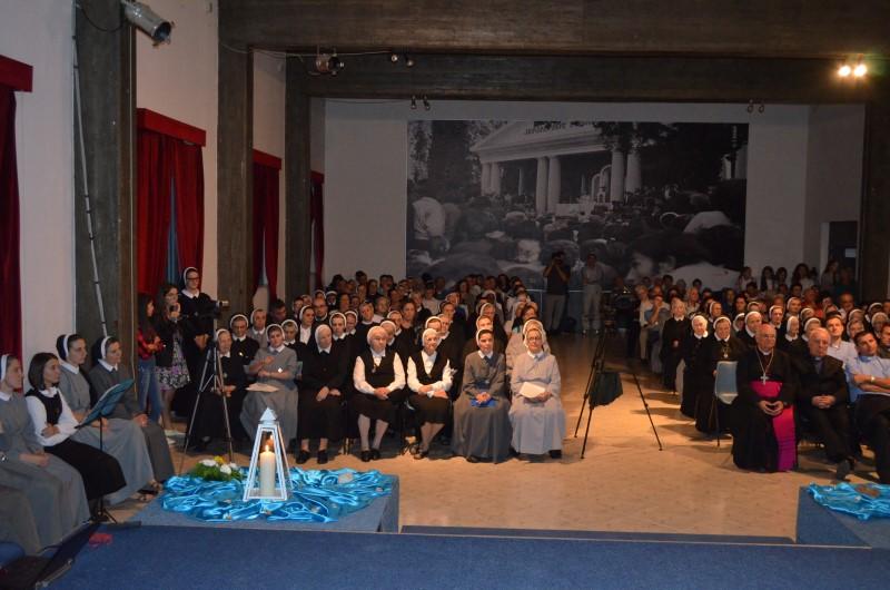Proslava u albaniji (9)