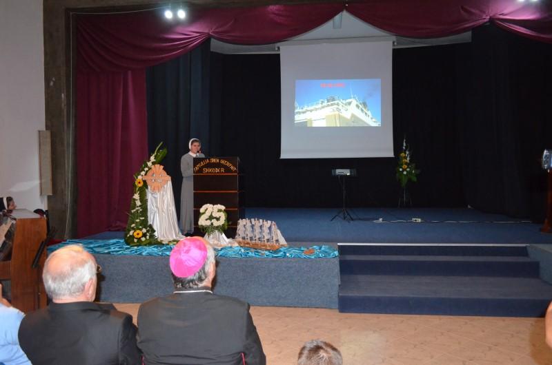 Proslava u albaniji (12)