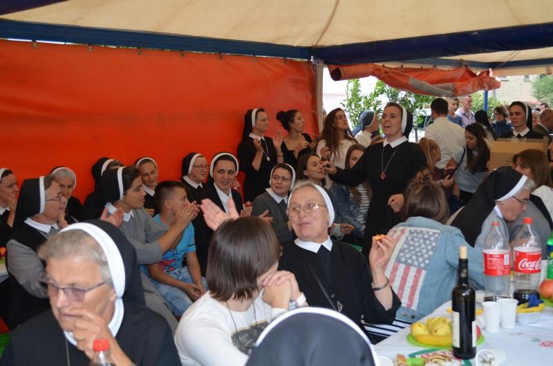 Proslava u albaniji (25)