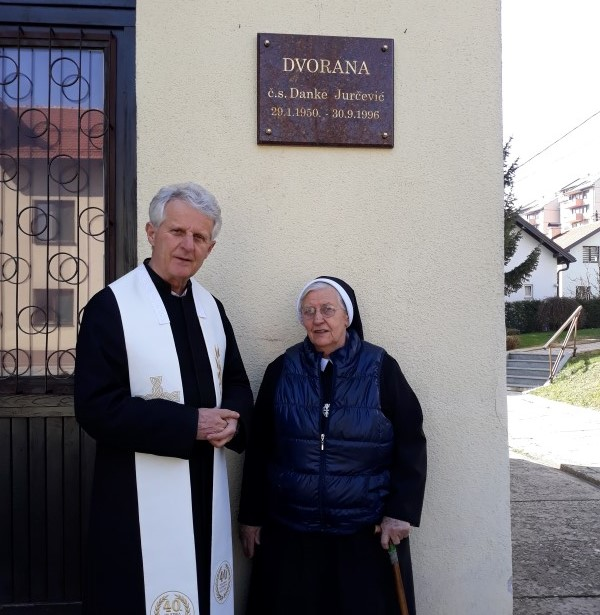 Zupnik i s. Viktorija