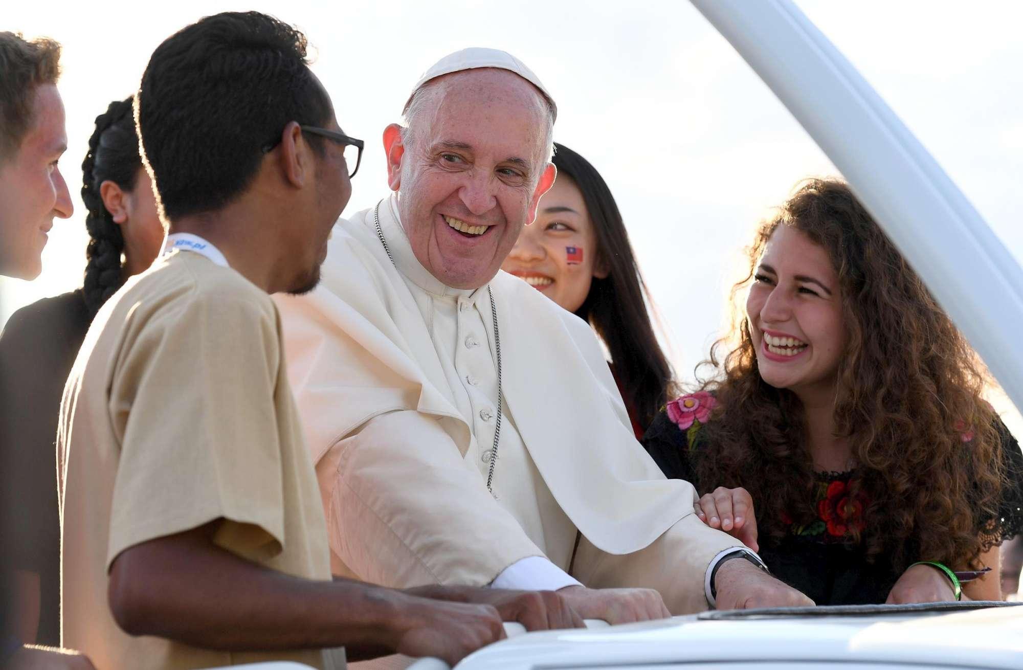 Poruka pape Franje za 54. svjetski dan molitve za duhovna zvanja 2017.