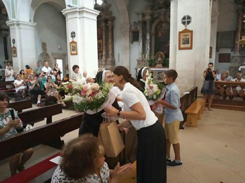Oproštaj od redovnica Družbe Kćeri Božje ljubavi u hvarskoj katedrali