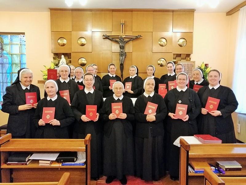 Slavlje predaje obnovljenih Konstitucija u samostanu Gospe Lurdske