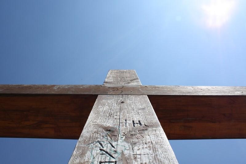 Kralj koji svoju moć pokazuje na križu
