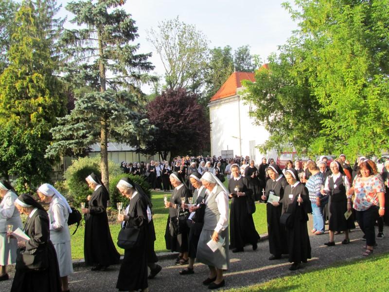 Drugi dan proslave u Beču – posjet mjestima vezanima uz život i smrt utemeljiteljice Majke Franziske