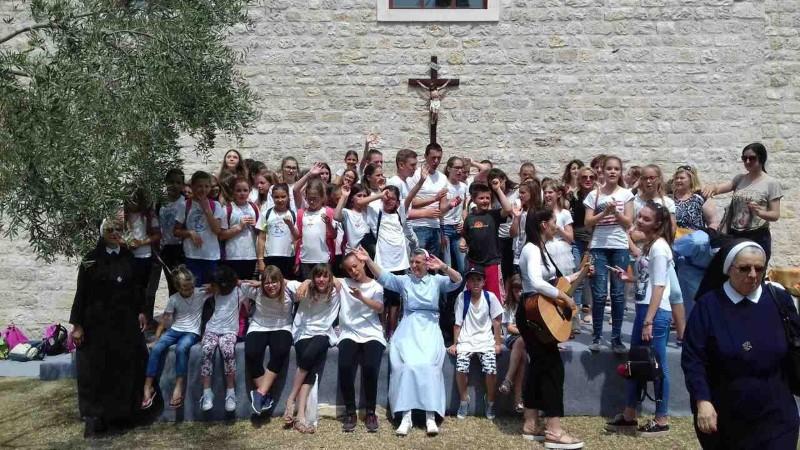 Susret dječjih crkvenih zborova u Karinu