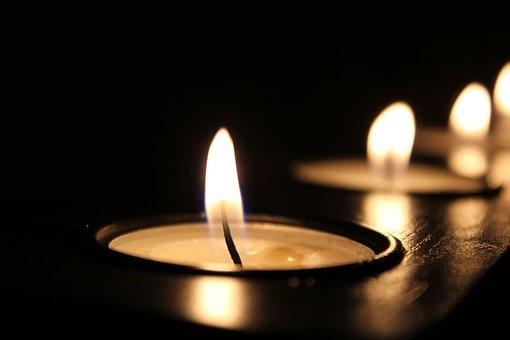 Ne bijaše on Svjetlo, nego – da posvjedoči za svjetlo